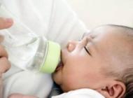 6个月宝宝添加辅食过程中,应注意哪些事项